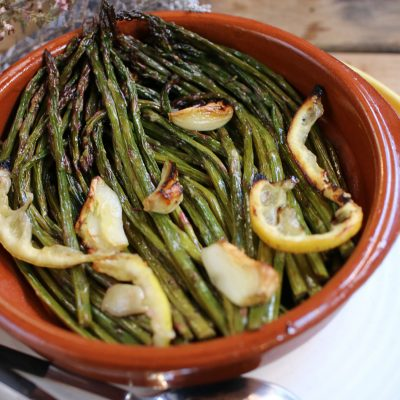 Grilled Garlic Asparagus with Lemon