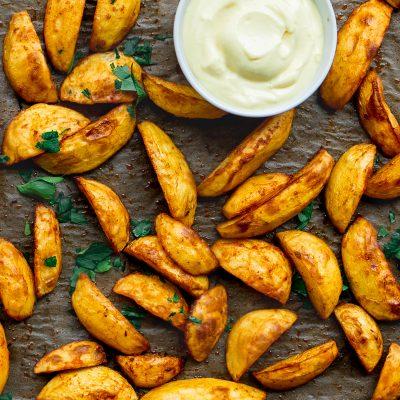 Potato Wedges and Vegan Mayonnaise